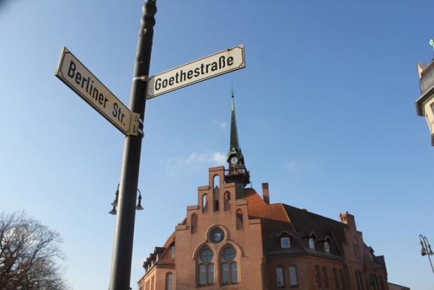 rathhaus-mit-schild2.jpg